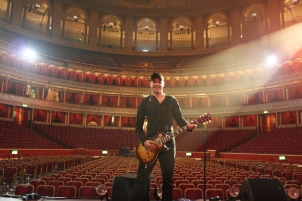 Steve Young at the Royal Albert Hall. Soundchecking for Darren Hayes